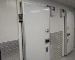 דלתות לחדרי קירור